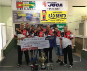 Despachante Juca levanta a taça do Campeonato Municipal de Bocha de Siderópolis