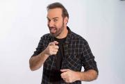 Diogo Portugal faz show de stand-up em Criciúma