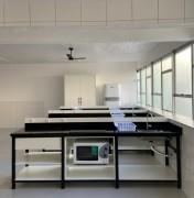 Laboratório de nutrição da Esucri é referência de ensino para alunos na prática