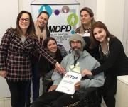 Conselho da Pessoa com Deficiência recebe CDC em braile