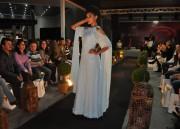 Desfile de vestidos de noivas traz brilho e glamour
