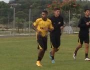 Atacante Fabinho Alves já treina como jogador do Tigre