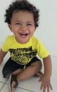 Família realiza 2º bazar de roupas para custear tratamento de filho