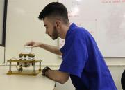 Acadêmicos desenvolvem bancada didática que simula terremoto