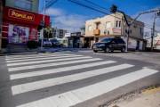 """Aplicação do produto """"Termoplast"""" qualifica faixas de pedestres em Içara"""