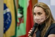 Governadora Daniela clama por união e compromisso com a vida após tomar posse