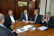 Vice-governador tenta reverter fechamento de fábrica