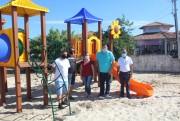Administração investe na Educação e entrega playground à escola de Maracajá