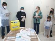 Alunos da rede municipal homenageiam equipe de saúde através de cartas