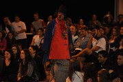 Grupo argentino provoca risadas em espaço público