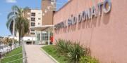 Homem ferido em casa de recuperação em Rincão é encaminhado ao HSD