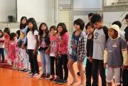 Alunos do Colégio Unesc trocam experiências com índios da Escola Estadual Indígena Nhu Porã