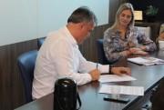 Sindesc e Sinplasc entregam minuta de convenção da coletiva 2018