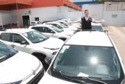 Deputado questiona Secretaria de Educação sobre compra de carros de luxo