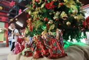 Unesc arrecada brinquedos de Natal para crianças do CEI Mundo Encantado