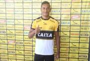Criciúma apresenta novo lateral direita Diogo Mateus