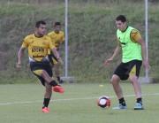 Atividade técnica e física no Centro de Treinamento do Tigre