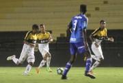 Criciúma decide vaga nas quartas da Copa do Brasil