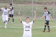 Sub-15 supera o Figueirense no Centro de Treinamentos