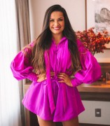 Marca catarinense Amarante antecipa pré-venda de looks vestidos por Juliette