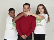 Vereador araranguaense faz foto para campanha mundial