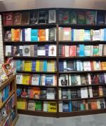 Shopping Della recebe livraria Ponto e Vírgula para felicidade dos amantes de livros