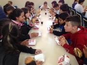 Crianças de Içara participam de ação em alusão ao McDia Feliz