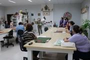 Mulheres artesãs retomam atividades presenciais