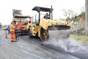 Acesso Norte de Maracajá recebe primeira camada de asfalto