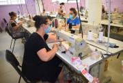 Abadeus participa de ação solidária com produção de máscaras para doação