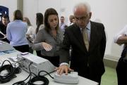 Eleitores, jornalistas e representantes de partidos participam de auditoria de urnas em São José
