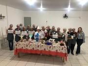 Grupo de mulheres participa de oficina de produção de ovos de Páscoa em Jacinto Machado