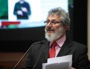 """""""Aposentadorias de ex-governadores devem acabar imediatamente"""""""