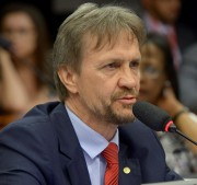 Segunda denúncia contra Temer esquenta debate na Câmara