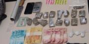 PM encontra ecstasy, cocaína e maconha em residência utilizada para tráfico