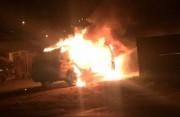Viatura da Polícia Militar de Içara é incendiada em oficina