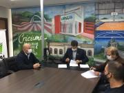 Assinado acordo de cooperação para implantação do serviço aeromédico