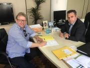Prefeito garante R$ 335 mil para revitalização de vias rurais
