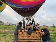 Alex e Bia inovam e apresentam proposta para o turismo com voo de balão