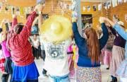 Usuários do Caps/Içara  interagem em festa julina