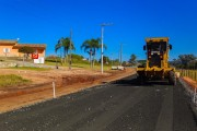 Rodovia Juvenal José Silvano segue com os trabalhos de pavimentação asfáltica