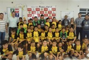 Alunos do Projeto Anjos do Futsal recebem uniformes em MF