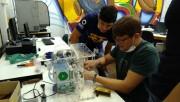 Prefeito Salvaro conhece projeto do respirador desenvolvido na Satc