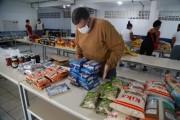 Educação entrega de 50 mil kits de alimentos a alunos beneficiados pelo Bolsa Família