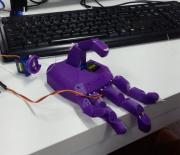 Alunos do SENAI desenvolvem mão robótica