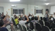 Servidores deliberam pela greve geral