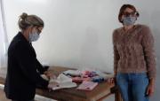 Voluntárias do Projeto 'Bem vindo à Vida' distribuem enxovais de bebê
