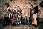 Acic recebe show da Brass Groove Brasil