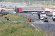 Trabalhos de roçadas chegam a Sangão e modificam tráfego