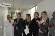 Secretário Acélio Casagrande visita UTI Neonatal do HRA